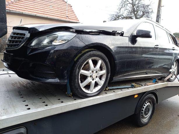 Vând aripă stângă Mercedes E clase 2014 W212 facelift.