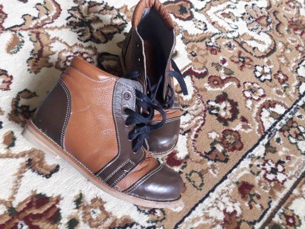 Продам обувь ортопедический