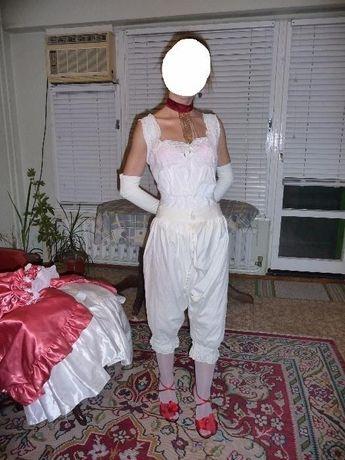 Комплект дамско бельо в ретро стил автентично 19 век