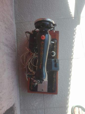 Masina de cusut electrica vechi