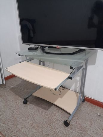 Продам стол компьютерный