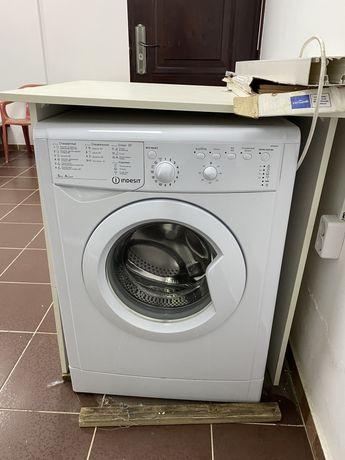 Продам стиральную машину б/у срочно