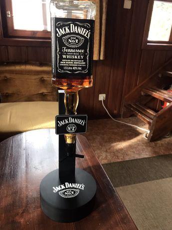 Уникална стойка за уиски Jack Daniels