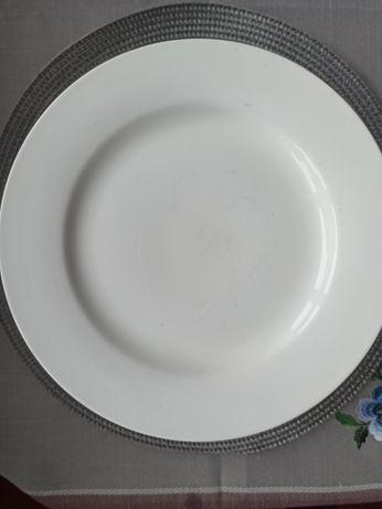 Белые тарелки, диаметр 20 см для кафе