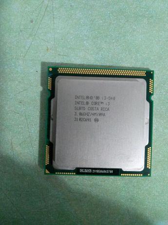 Продам два процессора один i3 второй Интел на 3.2 тактовая цена догово