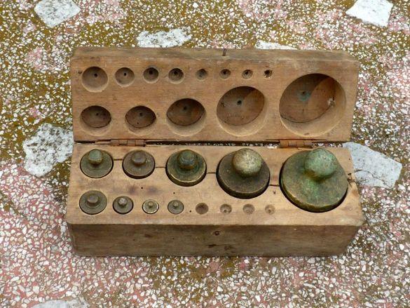 Комплект месингови теглилки с оригиналната дървена кутия