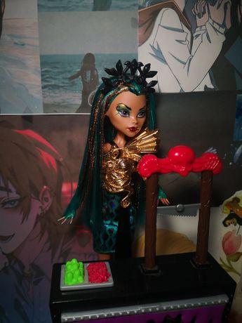 Кукла монстер хай, нефера