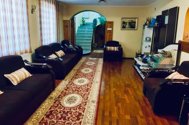 Casa de vanzare in Peris, Ilfov , langa Padurea Scrovistea
