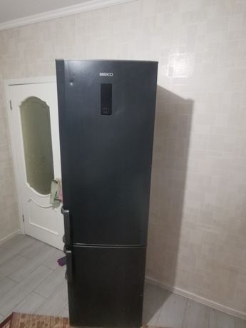 Продам холодильник срочно Beko