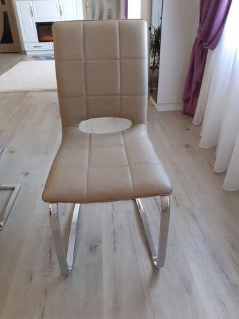 8 scaune living că și noi