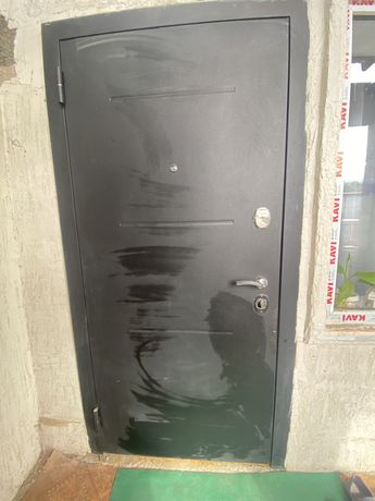 Продаю дверь отличного качества