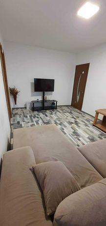 Închiriez apartament 3 camere semi-decomandat Str. PETRE ISPIRESCU