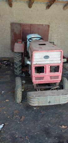 Мини трактор хорошем техническом состояний!!!