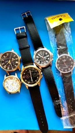 ЧАСЫ кварцевый. б/у Все часы отдам за 4500 тнг.