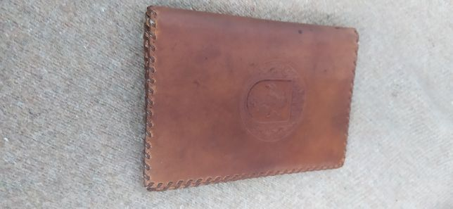 portofel vechi de piele