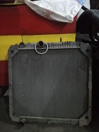 Радиатор на 814 мерс
