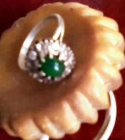 Продавам дамски пръстен старинен.