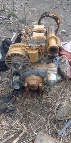 Motor tractor  4+4 sau motostivuitor 35 cai