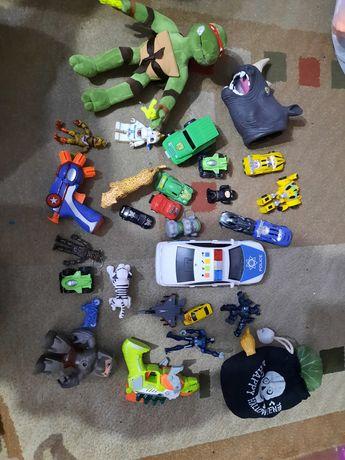 Продам игрушки разные