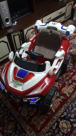 Mașinuță electrică de copii