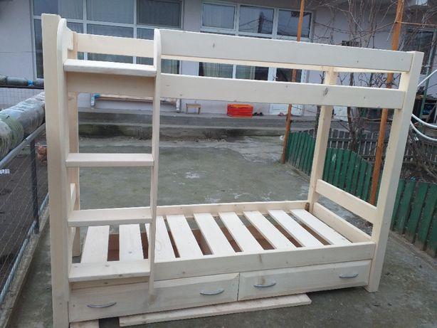 Pat etajat din lemn