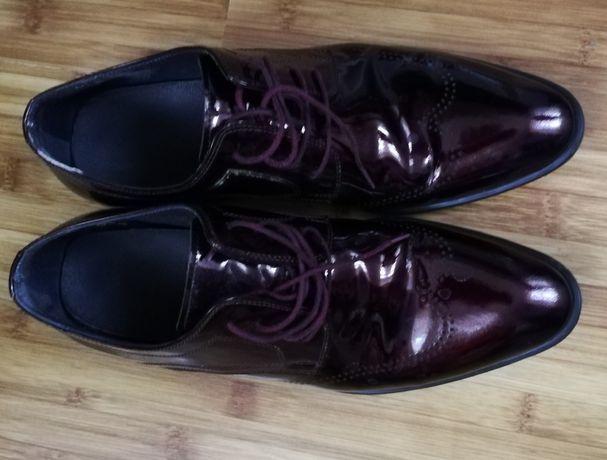 Pantofi de piele vișinii