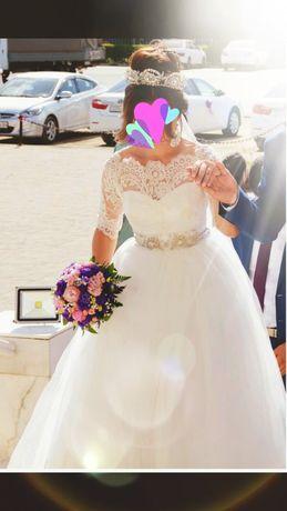 Нежное свадебное платье 40-42 размер