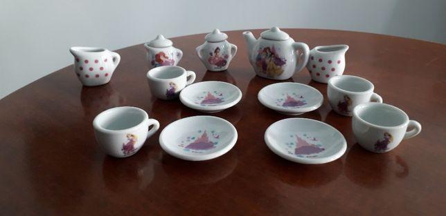 Set de ceai din ceramica pentru papusi