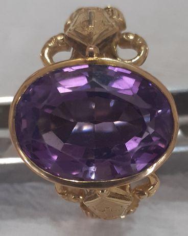Епископски пръстени с аметист