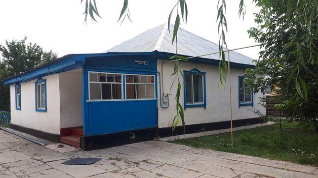 Продается дом в пригороде