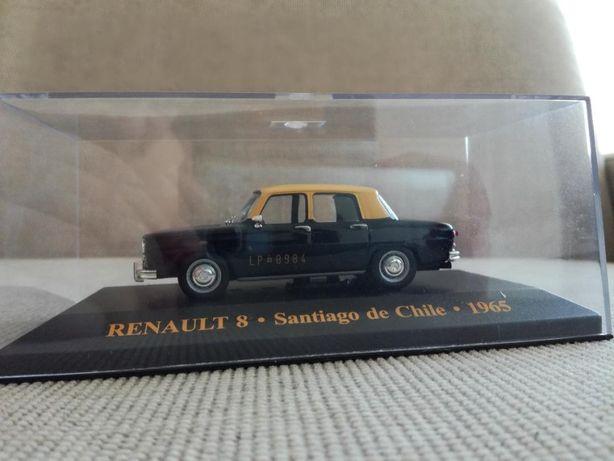 Vand macheta Renault 8 IXO scara 1/43