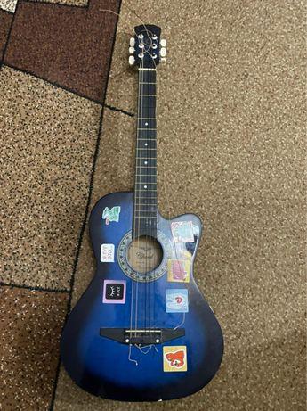 Продается акустическая гитара
