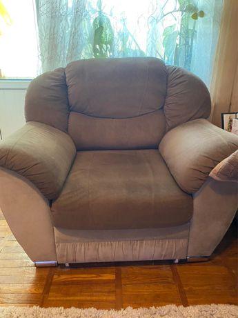 Продам мягкий уголок. Диван+кресло