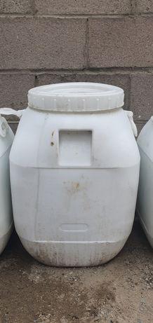 Хлор в пакетиках и камбинизон для рабочих