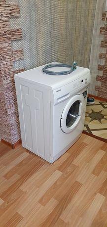 Продам машину стиральную