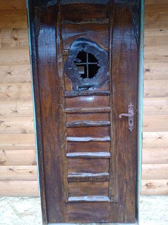 Уникална ръчно изработена врата