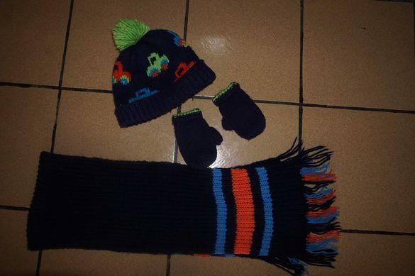 Комплект шапка и ръкавички на Next за около 5-6 г. дете с подарък шал
