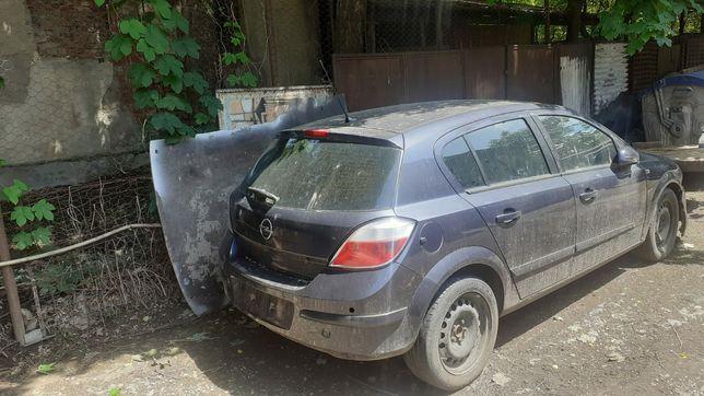 Dezmenbrez Opel Astra H 2006 1.9 diesel 150 cai
