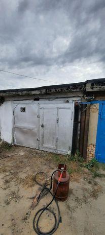 Продам гараж в 9 обществе