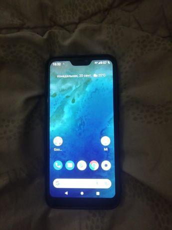 Продам  смартфон  Ксиоми  MI  A2  Lait. Телефон 2020 года выпуска.