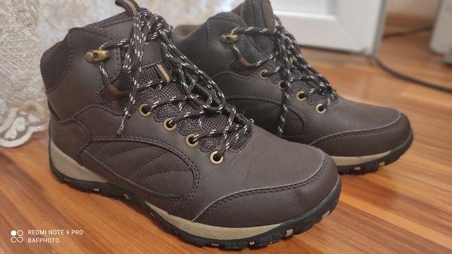 Продаются зимние кроссовки T-Taccardl