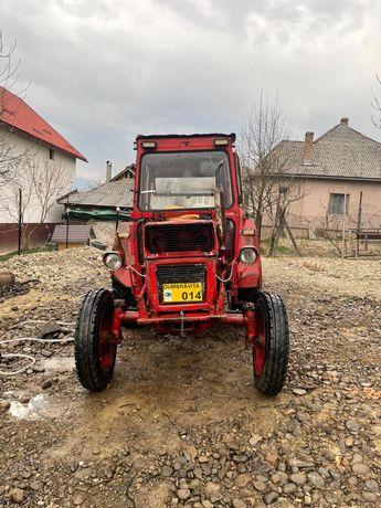 Vand tractor fiat 550 si  inca un motor 550brasov