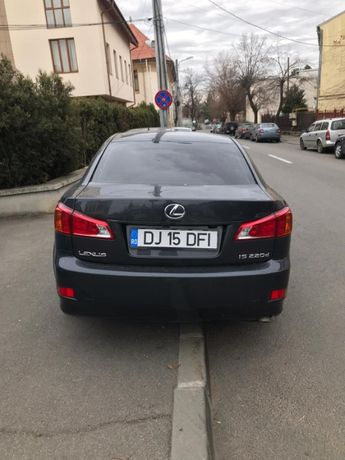 Vând Lexus IS 220