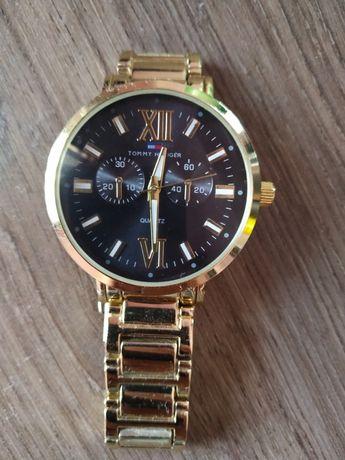 Часовник Tommy Hilfiger