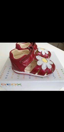 Vand sandale copii Geox - stare f buna, marimea 19