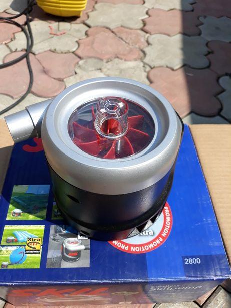 Pompa electrica cu acumulatori.
