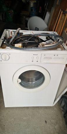 Продавам на части пералня Indesit WN 461 WO