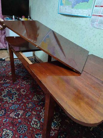 Стол полированный раздвижной 3-х створчатый