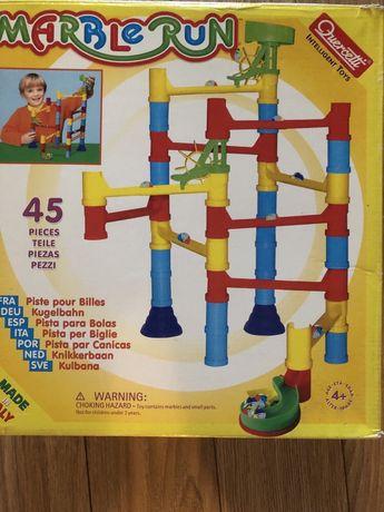 Различни занимателни играчки
