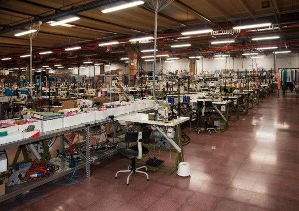 Швейный цех, пошив одежды, массовый пошив